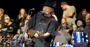 neil-young-261016