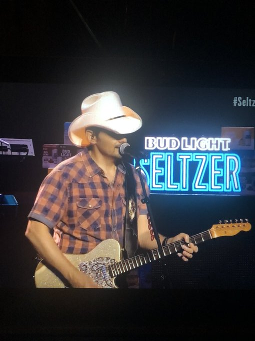 bud light seltzer brad paisley